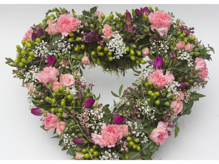 Blutentraume Zur Hochzeit Blumen Risse